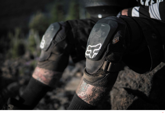 Fox Launch Pro D30- mountain bike knee pads reviews